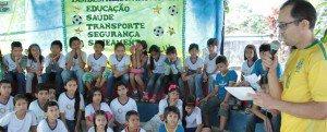 Alunos de escola municipal têm atividades relacionadas à Copa do Mundo