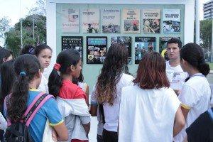 Alunos da Semed visitam exposição sobre Povos Indígenas na Ponta Negra